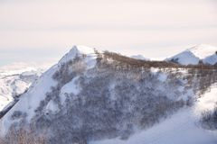 Las altas montañas de Abruzos llenaron de la nieve 003 Foto de archivo libre de regalías