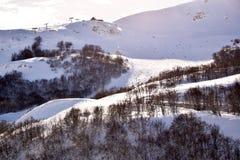 Las altas montañas de Abruzos llenaron de la nieve 006 Foto de archivo libre de regalías