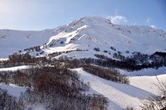 Las altas montañas de Abruzos llenaron de la nieve 007 Fotografía de archivo
