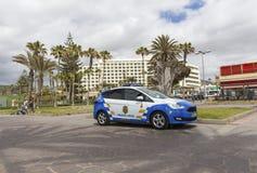 Las Amerika, Teneriffa, Spanien - 17. Mai 2018: Polizeiwagen in Las Amerika Die Polizei in Teneriffa Die zitronengelbe Polizei Stockfoto