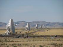 Las antenas de VLA hacen frente al este Foto de archivo libre de regalías