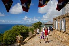 Las Antillas, el Caribe, Antigua, visión desde Shirley Heights y turistas Foto de archivo