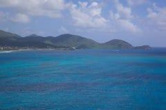 Las Antillas, el Caribe, Antigua, visión sobre costa sur Foto de archivo libre de regalías