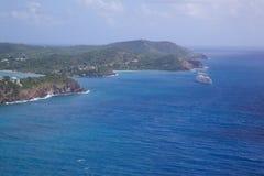 Las Antillas, el Caribe, Antigua, vista de la entrada al puerto de Falmouth Imagen de archivo libre de regalías