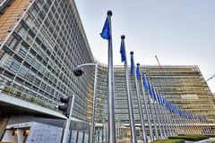 Las banderas del anf del edificio de Berlaymont Foto de archivo