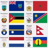 Las banderas y los capitales del mundo fijaron 16 Foto de archivo libre de regalías