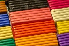 Las barras de la arcilla coloreada fotos de archivo