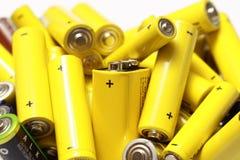 Las baterías usadas reciclan Imagenes de archivo