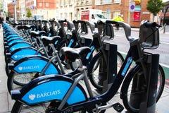 Las bicicletas emplean en Londres Foto de archivo libre de regalías