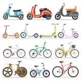 Las bicicletas y las vespas del retroceso ruedan iconos aislados vector de los vehículos del pedal Foto de archivo libre de regalías