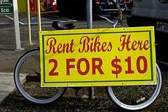 Las bicis de HAWAII_USA_rent cantan Imágenes de archivo libres de regalías