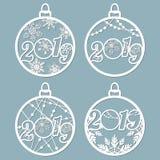 2019 Las bolas de la Navidad fijaron con un copo de nieve cortado del papel Plantillas para el corte del laser, el corte del traz stock de ilustración