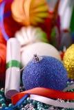 Las bolas de la Navidad fijaron, tarjeta del día de fiesta del Año Nuevo Fotografía de archivo libre de regalías