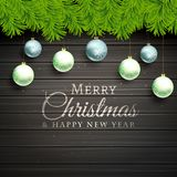 Las bolas de la Navidad y el árbol de pino hojea fondo de madera ilustración del vector
