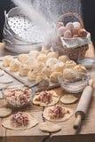 Las bolas de masa hervida hicieron para el cooki en estilo un rústico Imagen de archivo libre de regalías