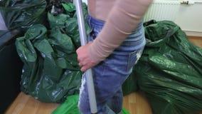 Las bolsas de plástico de las clases de la mujer metrajes
