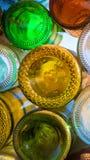 Las botellas coloridas de la soda y de cerveza emparedan el arte para el smartphone Foto de archivo