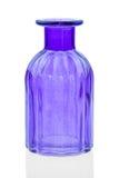 Las botellas de cristal aisladas en el fondo blanco, vidrio colorido fijaron en el fondo blanco, vidrio para el agua dulce, siste Fotografía de archivo libre de regalías