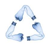 Las botellas plásticas que componen reciclan símbolo Fotos de archivo libres de regalías