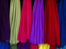 Las bufandas de las mujeres Imágenes de archivo libres de regalías