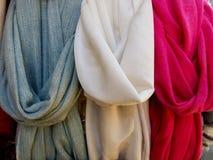 Las bufandas de las mujeres Foto de archivo libre de regalías