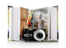 Las cámaras digitales y el álbum de fotografía imagenes de archivo