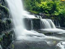 Las caídas de Lumsdale se fijan a lo largo del valle de Lumsdale imagen de archivo libre de regalías