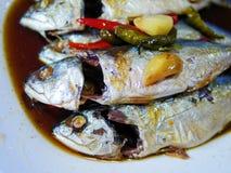 Las caballas deliciosas del klong de los mae con la salsa dulce en estilo tailandés Imagen de archivo libre de regalías
