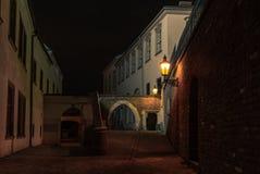 Las calles cobbled de Brno en República Checa tarde en la noche - 1 imágenes de archivo libres de regalías