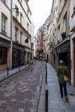 Las calles cobbled en París Fotografía de archivo libre de regalías