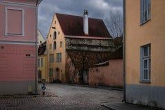 Las calles de Tallinn vieja fotografía de archivo