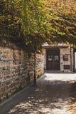 Las calles estrechas de la vieja parte de Antalya 8613 fotografía de archivo libre de regalías