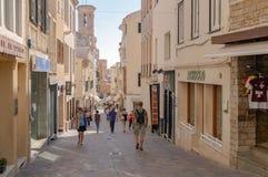 Las calles pintorescas de Mahon en España Imágenes de archivo libres de regalías