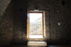 Las calles viejas de la bobina del pueblo chipriota auténtico Imagenes de archivo