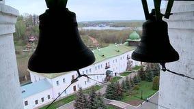 Las campanas en el campanario almacen de metraje de vídeo