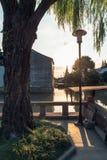 Las casas antiguas de Suzhou a lo largo del río imágenes de archivo libres de regalías