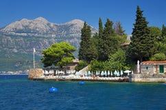 Las casas en la costa de Kotor ladran, Montenegro Fotos de archivo