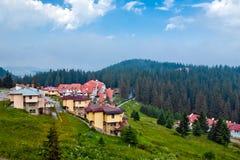Las casas y los hoteles modernos en Bulgaria Imagenes de archivo