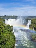 Las cataratas del Iguazú, en la frontera del Brasil y de la Argentina Fotos de archivo