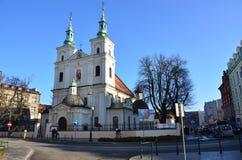 Las catedrales de la ciudad polaca antigua de Kraków, fascinando fotos de archivo