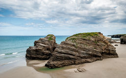 Las catedrales varan (playa de las catedrales) España Océano Atlántico foto de archivo libre de regalías