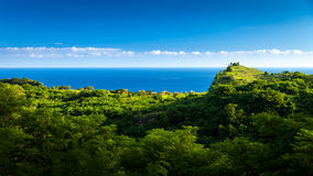 Las colinas hermosas en la isla de Nusa Penida Foto de archivo