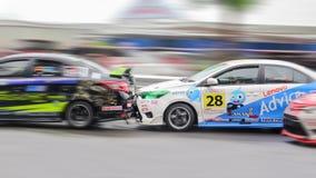 Las colisiones a posteriori del coche de carreras Fotografía de archivo