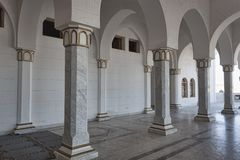 Las columnas de la mezquita fotos de archivo