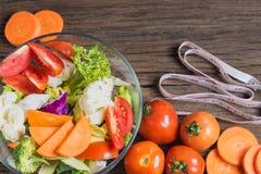 Las comidas sanas están en la tabla, Fotos de archivo libres de regalías