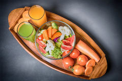 Las comidas sanas están en la tabla, Fotografía de archivo libre de regalías