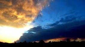 Las Conchas Feuer - Sonnenuntergang Stockfotos