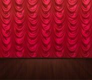 Las cortinas rojas vacian la etapa foto de archivo