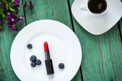 Las cosas femeninas principales Rutina de la belleza de la mañana Foto de archivo