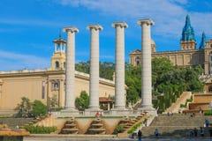 Las Cuatro Columnas delante del Museu Nacional d 'Art de Catalunya, lanzamiento en junio de 2018 fotografía de archivo libre de regalías